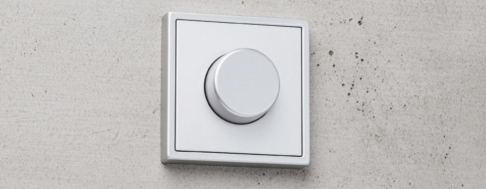 JUNG LB Management: verlichting en zonwering bedienen